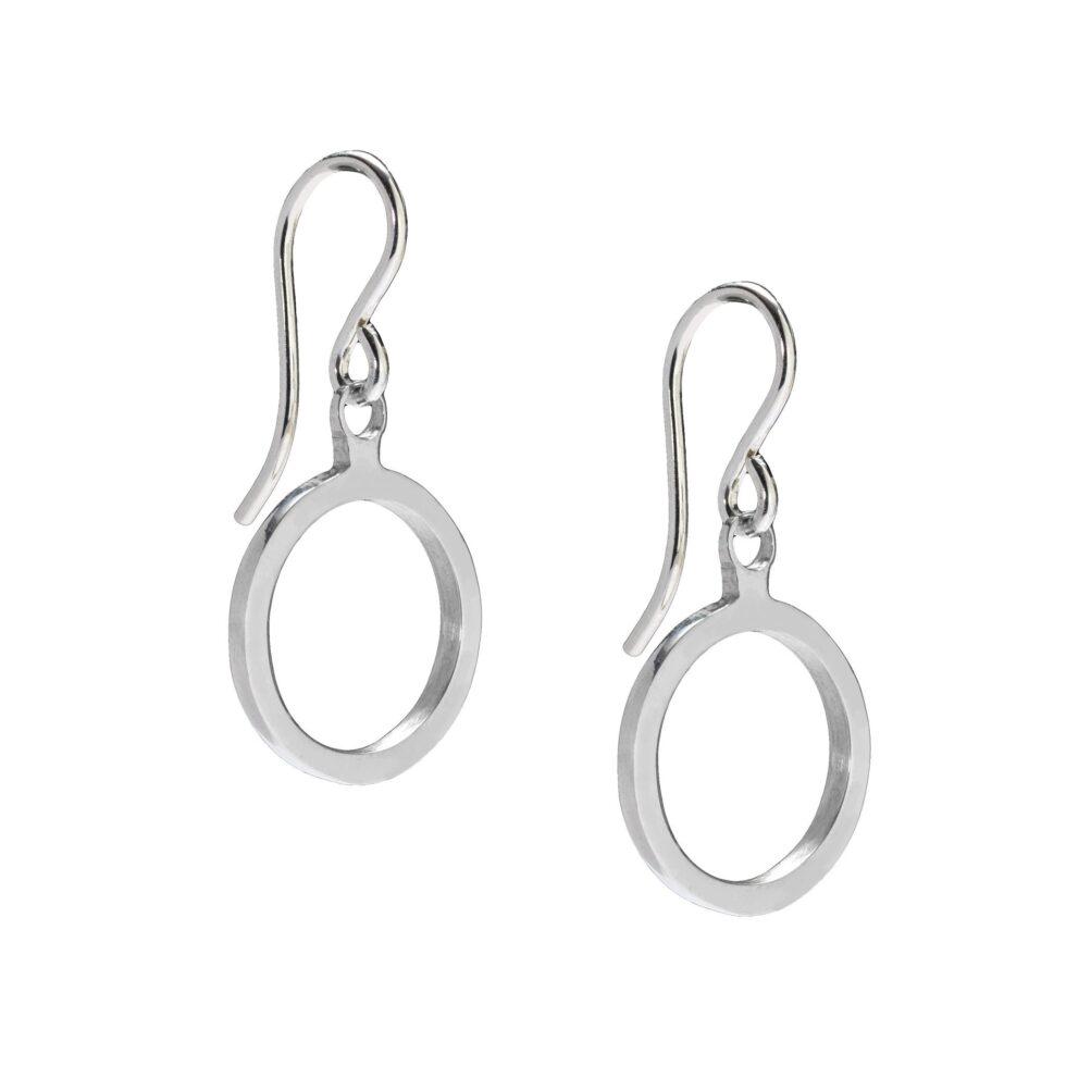 Daisy Days Silver Swing Earrings. Simple, Elemental, Universal.